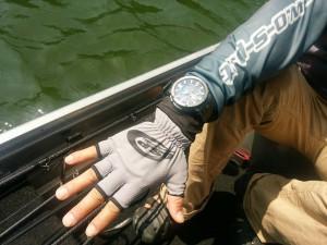 サマー用手袋は手首部分を長くして完璧に日焼けや虫刺されをガード