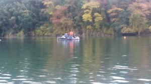 今年の津久井湖のワカサギは調子が良いらしい。ワカサギガイドも始めた金井君も浮いていた!